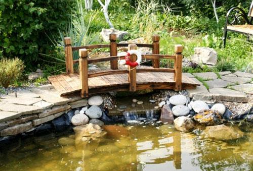 Как сделать садовый мостик своими руками?