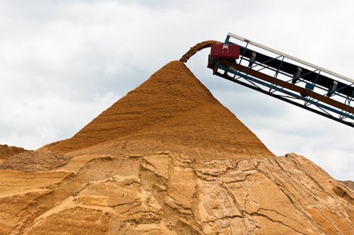Что называется песком, свойства, особенности его разновидностей и сфера применения