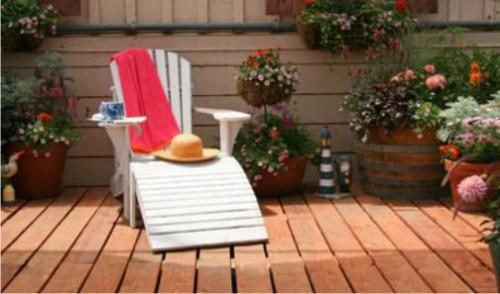 Шезлонг для дачи – возможность комфортно провести летний отдых!