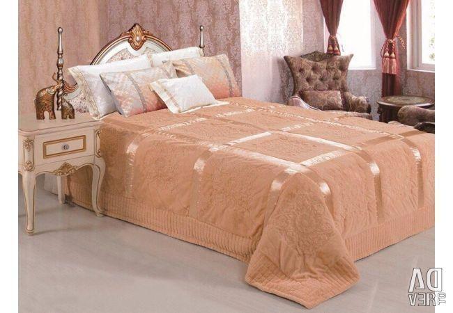 Оформление спальни. Как выбрать и купить покрывало из Италии?