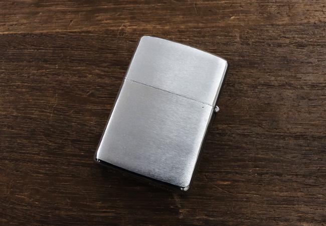 В поисках оригинального подарка для мужчины. Зажигалки ZIPPO — made in USA
