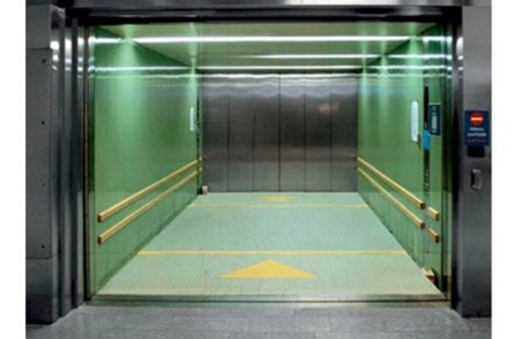 Автомобильный лифт для паркинга. Подъемники для паркингов