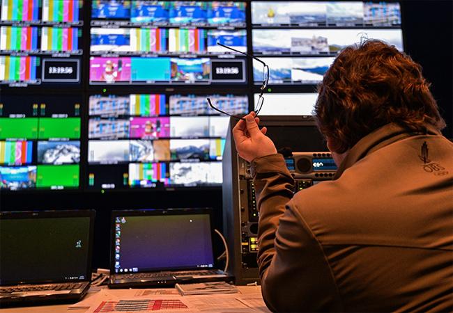 Прямой эфир и телепрограмма телеканалов — что сейчас показывают по телевизору