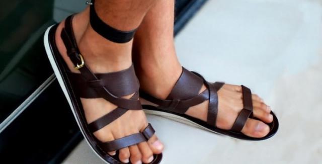 Як вибрати сандалі і шльопанці?