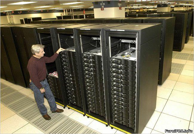 Установка серверного шкафа. Что нужно для прокладки кабелей?