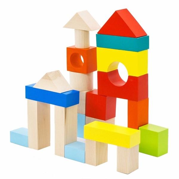 Из какого материала делают игрушки?