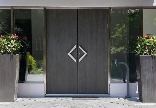 Качественные двери из стали: какими они должны быть?