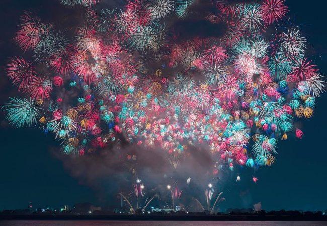 Подготовка к Новому году и масштабным праздникам. Салюты и фейерверки в Минске