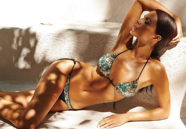 Буйство красок и разнообразие фасонов – в купальниках-бикини нет скучных моделей!