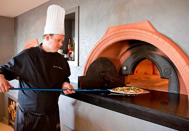 Как выбрать печь для пиццы  и  купить пресс для пиццы в Киеве?
