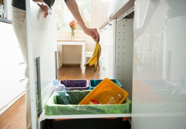 Встраиваемые диспенсеры от производителя для хранения и удобной выдачи мусорных пакетов
