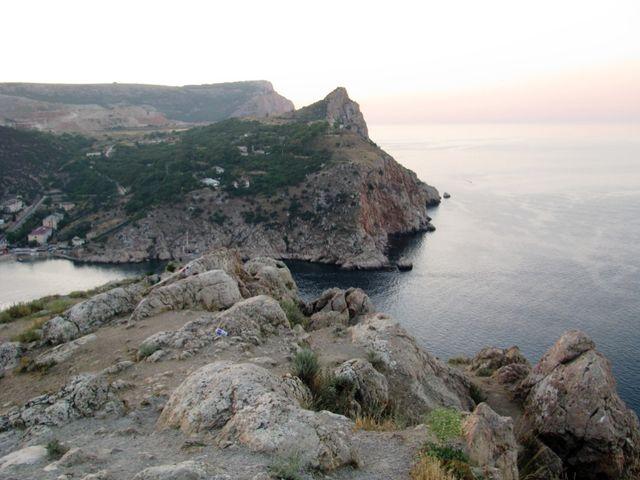 Горы и море близ мыса Сотера