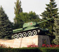 Т-34 - памятник танкистам в гроде Армянске