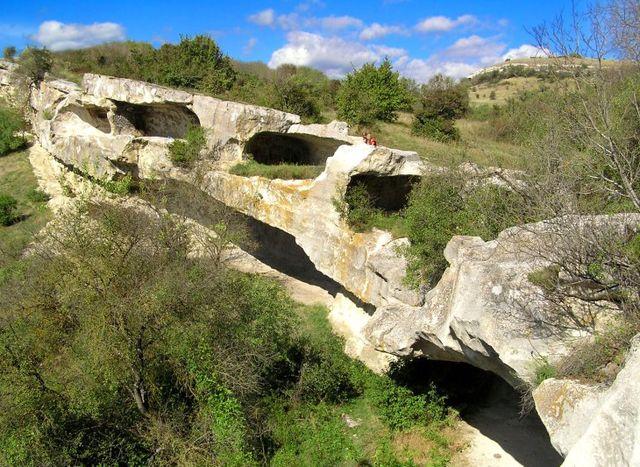 Древний пещерный город Бакла в Крыму