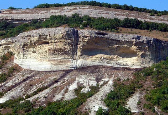 Пещерный город Бакла близ Симферополя. Крым