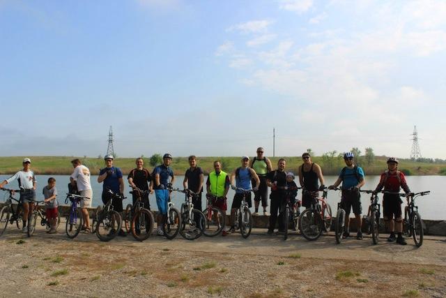 Участники велопробега на Хрущевском парке.