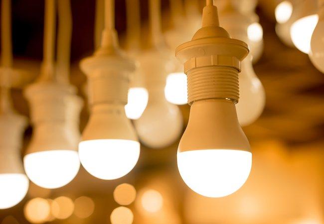 Как выбрать уличные и домашние светильники