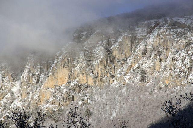 Стены большого каньона. Крымские горы