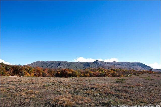 Горный массив Главной гряды Крымских гор – Чатырдаг
