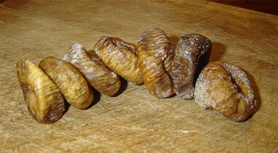 Инжир сушеный  - очень полезный и вкусный