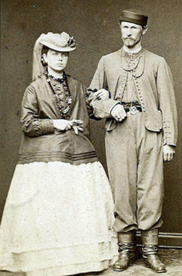 Чехи-молодожёны - старая фотография