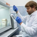 Учёные КФУ предположили причины невосприимчивости части людей к COVID-19