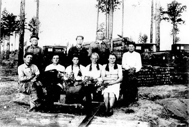 Немцы на лесозаготовке