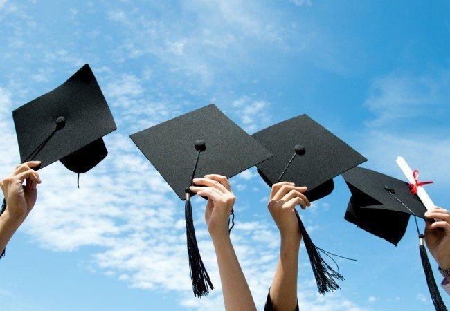 О преимуществах заказа студенческих работ в компании из Севастополя