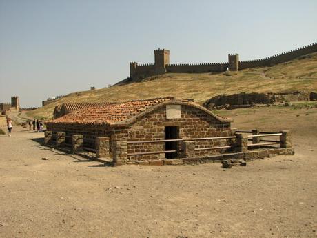 Судакская крепость, внутренние постройки