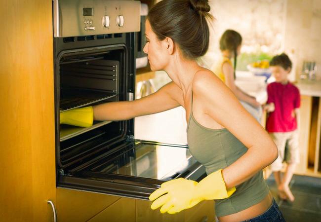 Холодильное оборудование для кафе и ресторанов или как купить льдогенераторы в Киеве?