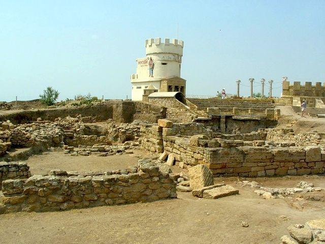 Древние развалины Кара-Тобе