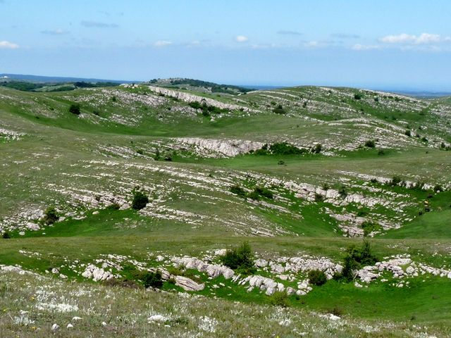 Каменные гребни Караби-Яйлы