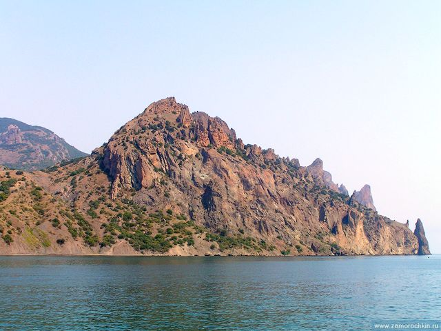 Карадаг - древний вулкан, потухший140-160 миллионов лет назад