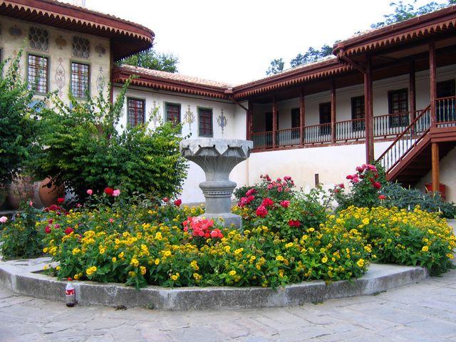 Внутренний двор Бахчисарайского дворца