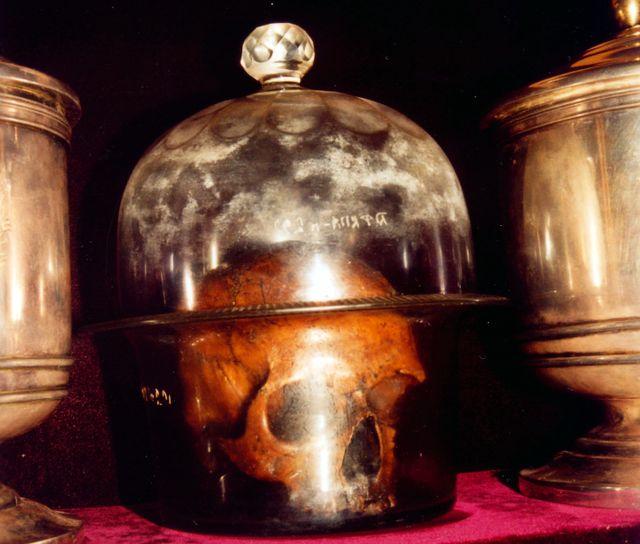 Мощи Святого Климента находящиеся в  Киево-Печерской лавре