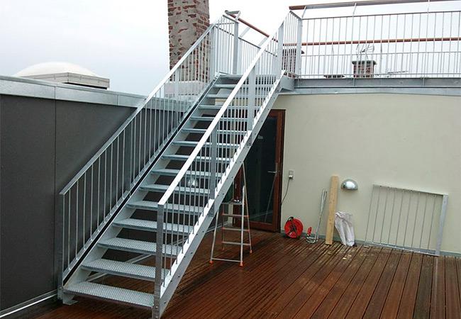 Металлические лестницы на заказ в Днепре