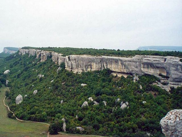 Вид на городище Мангуп