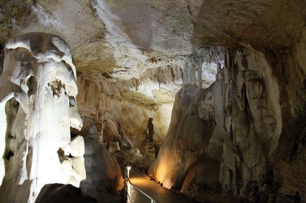 Достопримечательности Крыма – мраморные пещеры
