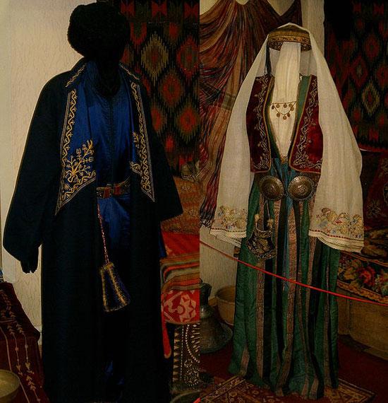 Национальные караимские костюмы