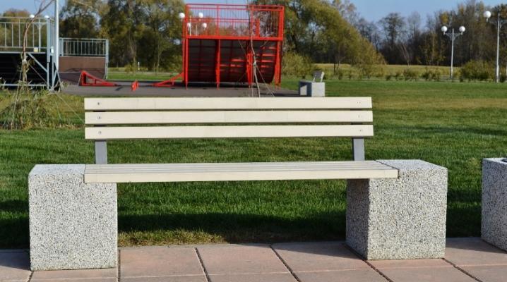 Вазоны и скамейки из бетона. Широкий выбор цвета и фактуры изделия