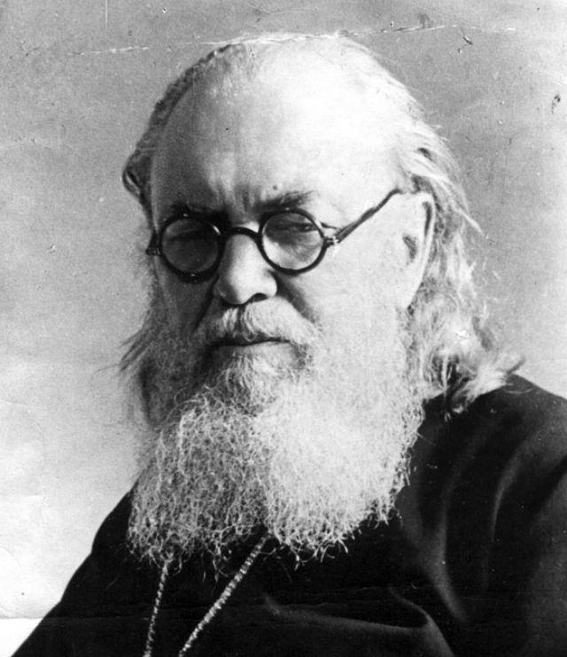 Архиепископ Лука (в миру — Валентин Феликсович Войно-Ясенецкий
