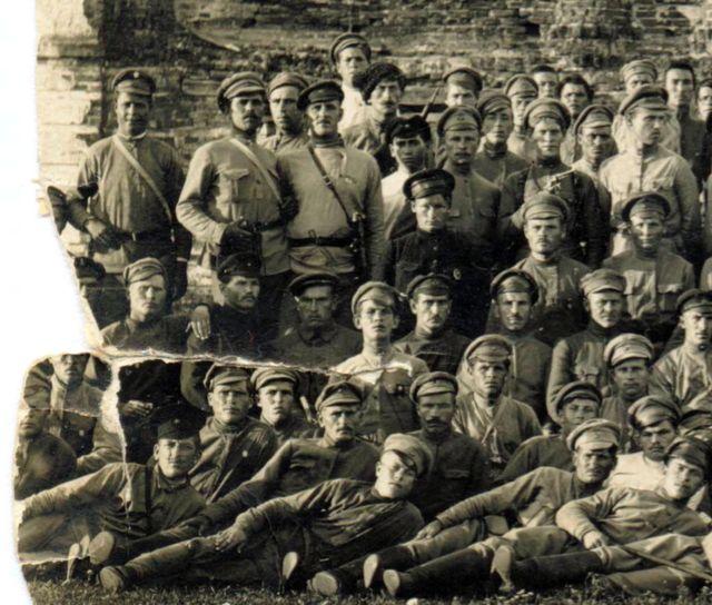 Солдаты-большевики участвовавшие в штурме Перкопа