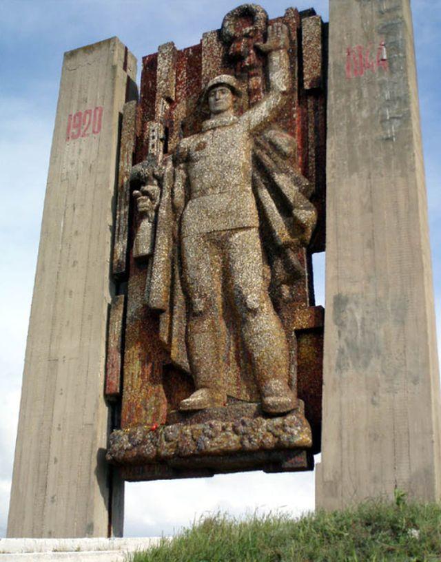 Памятник павшим бойцам на Перекопе
