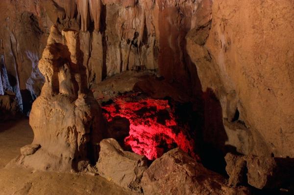 Скельская пещера в Крыму