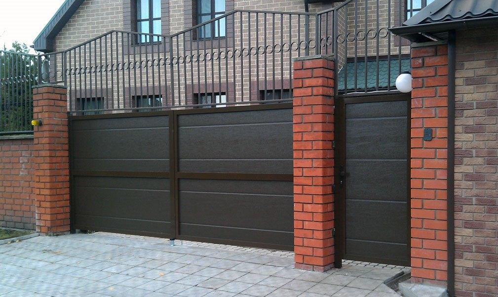 Установка распашных и откатных ворот в Москве от мастеров своего дела