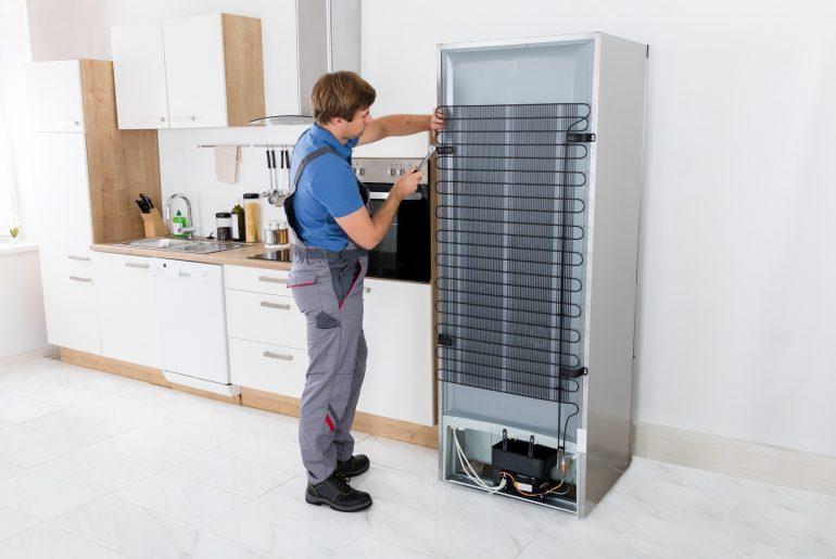 Обязательно ли нужен мастер по ремонту холодильников?