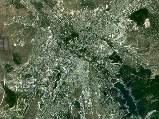 Симферополь на снимках из космоса
