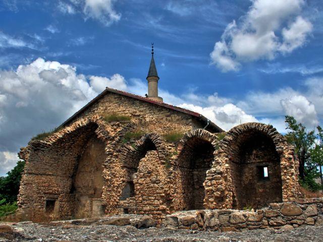 Развалины мечети Узбека в Старом Крыму