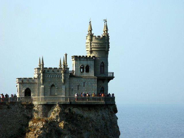 Чарующая достопримечательность Крыма - Ласточкино гнездо