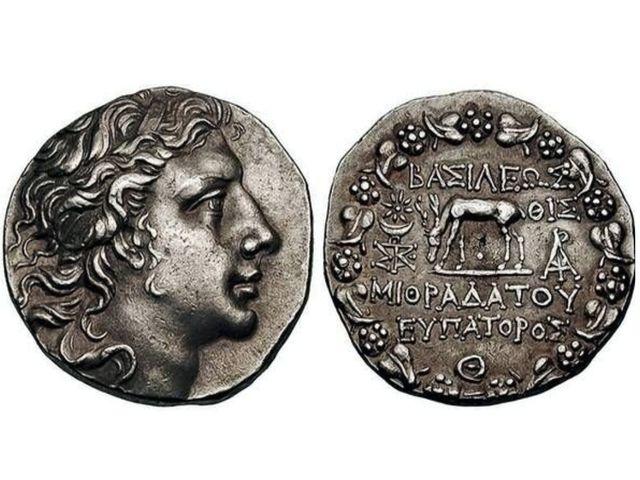 Серебряная тетрадрахма – «четыре драхмы» древнегреческой – Понтийского царя Митридата VI Эвпатора.